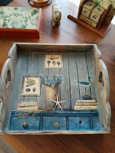 Decoupage tray Source by clarckshairstyle The post Decoupage tray appeared first on Wooden. Decoupage Wood, Decoupage Vintage, Diy Crafts To Do, Painted Trays, Wood Tray, Dose, Vintage Wood, Handmade Wooden, Painting On Wood