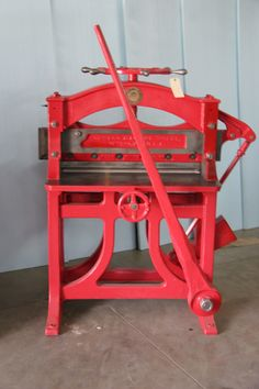 Red Guillotine 32 1\2 in. of usable space.