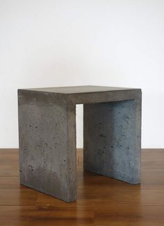 solid concrete stool bench (interior or exterior) Concrete Stool, Concrete Art, Brick Shelves, Front Yard Decor, Wood Home Decor, Evernote, Electronic Art, Mexican Style, Furniture Projects