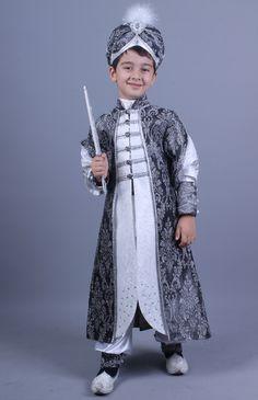Kanuni beyaz gri şehzade sünnet kıyafeti http://sunnetcarsisi.com/kanuni-beyaz-gri-sehzade-sunnet-kiyafeti