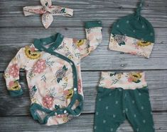 Check out our baby girl coming home outfit selection for the very best in unique or custom, handmade pieces from our shops. Cute Baby Girl, Cute Babies, Girls Coming Home Outfit, Baby Sewing Projects, Kimono Fashion, Green Stripes, Outfit Sets, Dress Making, Girl Outfits