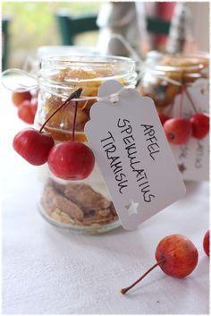 Rezept für einen weihnachtlichen Nachtisch mit Spekulatius, Mascarpone, Äpfel und Lebkuchengewürz
