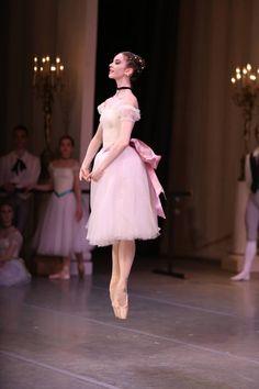 Alexandra Korshunova in Bournonville's Konservatoriet Photo © Svetlana Avvakum Ballet dancer Ballet Pictures, Dance Pictures, Shall We Dance, Just Dance, Princesa Tutu, Ballet Russe, La Bayadere, Ballet Dancers, Ballerinas
