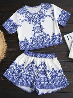 SHARE & Get it FREE | Printed Crop Top And Shorts Set - White SFor Fashion Lovers only:80,000+ Items • New Arrivals Daily Join Zaful: Get YOUR $50 NOW!