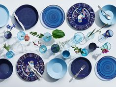 Would you set the table with classic dinnerware or more contemporary dishware? Our lovely selection of dinnerware ranges from elegant mid-century pieces to today's design. Wedding Gift List, Design Vase, Blue Dinnerware, Living At Home, Deco Table, Decoration Table, Scandinavian Design, Decorative Items, Tumblers