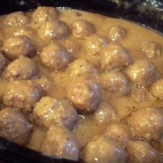 French Onion Meatballs - Mix 1 pkg dry onion soup - mix 2 can Cream of Mushroom soup - 1 package dry French Onion soup - 1 can(s) water. Place 2 pounds cooked frozen meatballs (or make your own). Cook on low heat for about 4 to 6 hours o Meat Recipes, Slow Cooker Recipes, Crockpot Recipes, Cooking Recipes, Recipies, Recipes With Onion Soup Mix, Drink Recipes, Recipe Using Cream Of Onion Soup, Cooking Games