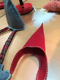 Best 11 Instructions on how to make a few different nisse – SkillOfKing. Diy Christmas Gifts For Kids, Christmas Card Crafts, Christmas Gnome, Primitive Christmas, Christmas Projects, Christmas Decorations, Christmas Ornaments, Gnome Tutorial, Kobold
