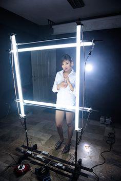DIY Florescent Tube Light Beauty Light Thingy - DIY Photography