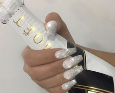 12 unique trending nail art designs for Hot nail right nail now in fashion. Stiletto nails, rainbow almond nails, Ombre rounded nail art designs for summer. Fabulous Nails, Gorgeous Nails, Pretty Nails, Stiletto Nails, Coffin Nails, Acrylic Nails, Silver Glitter Nails, Hot Nails, Beautiful Nail Designs