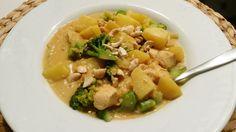 Kartoffel-Brokkoli-Curry mit Kokosmilch, ein leckeres Rezept aus der Kategorie INFORM-Empfehlung. Bewertungen: 377. Durchschnitt: Ø 4,4.