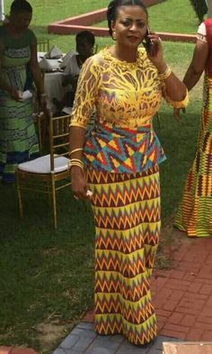 Best African Dresses, African Print Dresses, African Attire, African Wear, African Fashion Dresses, African Women, South African Fashion, African Print Fashion, Pretty Black Dresses