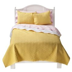 This yellow quilt would be perfect to have as you could throw mickey or minnie mouse accents with it (and red or pink sheets) to make it usable for a girl or a boy