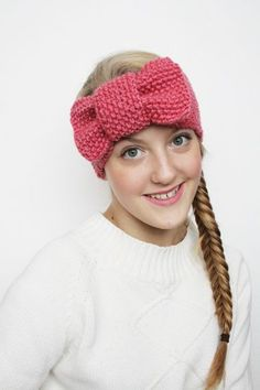 vinchas de lana para niñas tipo moño Knitting Blogs, Knitting Patterns Free, Knit Patterns, Free Knitting, Knitting Projects, Knitting Ideas, Simple Knitting, Crochet Projects, Turban Headbands