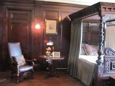 love the bed Castle, Bed, Furniture, Home Decor, Stream Bed, Interior Design, Home Interior Design, Beds, Arredamento