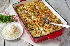 Elizabeth Mindreau's baked pasta with meat sauce and bechamel. Pasta Casserole, Pasta Bake, Casserole Recipes, Greek Cooking, Fun Cooking, Cooking Recipes, Greek Recipes, Quick Recipes, Recipes