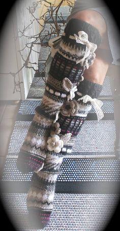 Ankortit these are so cute! Crochet Leg Warmers, Crochet Slippers, Knit Crochet, Fair Isle Knitting, Knitting Socks, Hand Knitting, Knitting Projects, Crochet Projects, Knitting Patterns