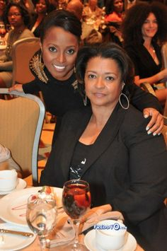 Keshia Kniight Pulliam and her mother