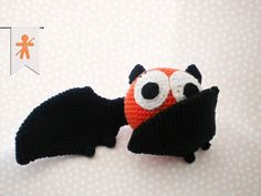 Crocheted by AmigurumisFanClub!!! Free pattern: http://mygurumi.blogspot.com.es/2012/10/berti-bat-pattern.html