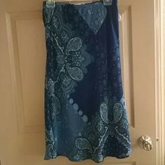 Impressions flowing skirt nwot Blue designs lined impressions Skirts Midi