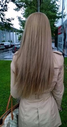 Side Swept Waves for Ash Blonde Hair - 50 Light Brown Hair Color Ideas with Highlights and Lowlights - The Trending Hairstyle Medium Ash Blonde Hair, Ash Blonde Hair Dye, Natural Ash Blonde, Dark Blonde, Dyed Hair, Hair Medium, Blonde Color, Level 7 Hair Color, Blond Hairstyles