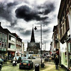Modekwartier, Arnhem #redbol #clouds #winter