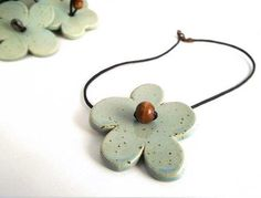 Flower stoneware Necklace from Italy por lofficina en Etsy