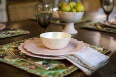 Dias de verão!!!Inspire-se e arrume a mesa em tons claros e frescos foto: Carol Milano Fotografia