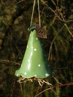 Insektenhotels - Insektenhotel ,Käfer-Glocke aus Keramik - ein Designerstück von loewenbine bei DaWanda