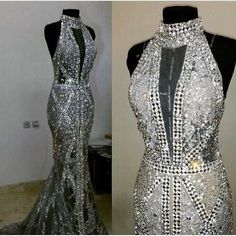 Contender for something I don't know what but it's the most beautiful dress ever