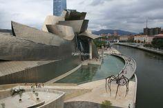 El #Guggenheim, totalmente integrado en su entorno. Bilbao, #Spain.