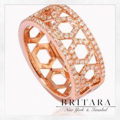 Honey Ring in Beautiful Rose Gold 💕✨ Quality Diamonds, Beautiful Roses, Black Diamond, Fine Jewelry, Honey, Rose Gold, Chain, Instagram Posts, Rings