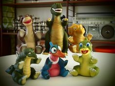 Land before time toys from pizza hut! Little Foot, Ducky, Sara, and Peatree! 90s Toys, Retro Toys, Vintage Toys, 90s Childhood, My Childhood Memories, Toys Land, 80s Kids, Ol Days, The Good Old Days