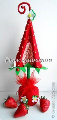 Бонсай топиарий ёлка Поделка изделие Новый год Аппликация Моделирование конструирование Клубничная елка
