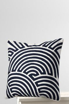 this pillow wouldn't stay clean... there would be tracing finger prints all over it from little visitors... : )  !~