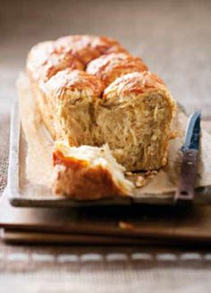 Sýrovo-cibulový chléb (www.albert.cz/recepty)