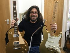 http://www.londonguitaracademy.com/guitar-lessons-london-teach-rock-jazz-blues-funk-folk-pop
