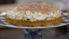 Bananentaart - Must try! Bread Cake, Pie Cake, No Bake Cake, Sweet Pie, Homemade Cookies, Fabulous Foods, Dessert Recipes, Desserts, Sweet Recipes