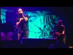 Pearl Jam - Mother (Rio de Janeiro '11)  Oh Eddie...  @Cheryl Brennan