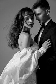 Couple Photoshoot Poses, Couple Photography Poses, Couple Portraits, Studio Portraits, Couple Shoot, Wedding Photoshoot, Portrait Photography, Couple Posing, Photo Couple
