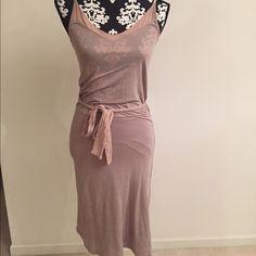Splendid dress Got from Nordstrom never worn! Super cute, a little past knee length, cotton material Splendid Dresses Midi
