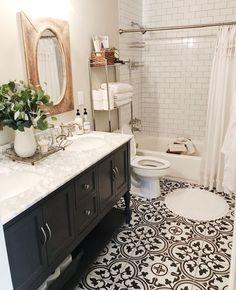 Das sieht toll aus Old Bathroom Remodel – New Ideas - Modern Upstairs Bathrooms, Downstairs Bathroom, Bathroom Renos, Laundry In Bathroom, Bathroom Renovations, Home Remodeling, Bathroom Ideas, Bathroom Small, Simple Bathroom