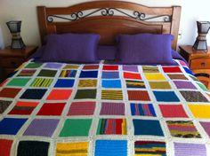 """""""En la variedad está el gusto"""" Cubrecama multicolor a crochet"""