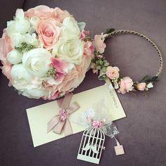 Harika pudra tonlarında gelin buketimiz  Gelin taci Ve yaka çiçeği  Siparis ve bilgi icin mesaj atiniz veya 05453768273 ten whatapptan ulasiniz  www.gelinbuketleri.com