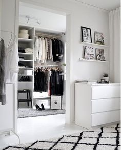 8 Amazing Black&White closets spotted on Instagram (Daily Dream Decor)
