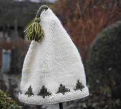 Ravelry: Christmas tree hat pattern by Gralina Frie