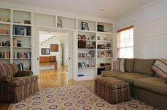 Always wanted shelves built around around a doorway, just like this.  A girl can dream!