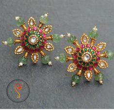 Jewelry Design Earrings, Gold Earrings Designs, Gold Jewellery Design, Ear Jewelry, Bridal Jewelry Vintage, Gold Jewelry Simple, Antique Earrings, Jewels, Diamond