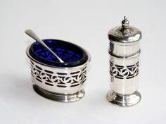English 1920s condiment set, Docker and Burn, Pepper shaker and Salt cellar