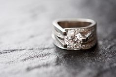 Amazing wedding ring, trapezoid shape! Sooooo pretty but so big!