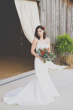 Rustic and romantic bridal looks @weddingchicks